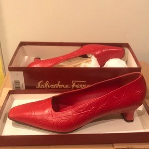 Ferragamo Red Embossed Pump 10B